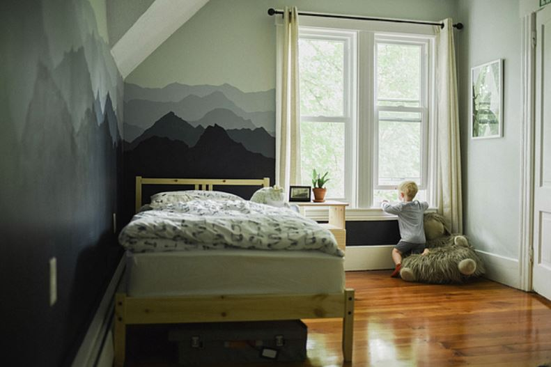kids friendly design and organize bedroom